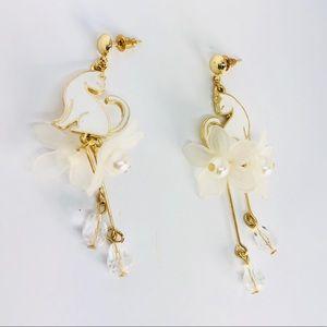 New! White Kitty Cat Pearl Flower Beaded Earrings